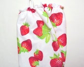 Plastic Grocery Bag Holder, Bright Red Strawberries Bag Holder, Grocery Bag Organizer with Strawberries, Micro Fiber Plastic Bag Holder