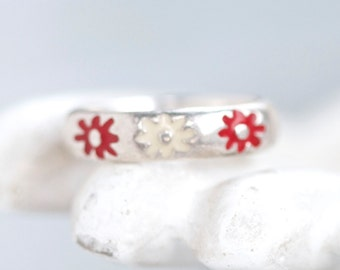 Red and White Flowers Ring Band - Sterling Silver Ring Size 7