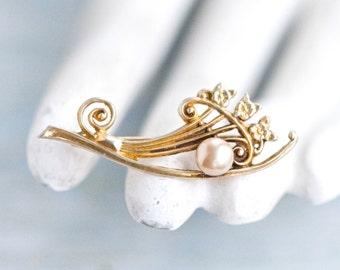 Art Nouveau Lapel Pin - Sterling Silver Brooch - Antique with Gold Bath