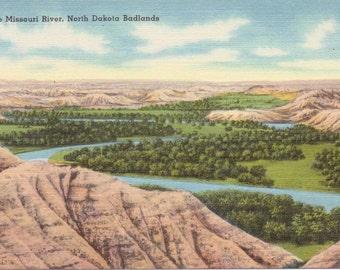 Badlands, North Dakota, Little Missouri River - Linen Postcard - Unused (A3)