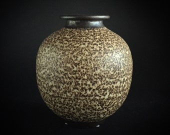 Vintage Handmade Vase by Don Middleton of Washington, Ontario - Mid Century Modern Pottery