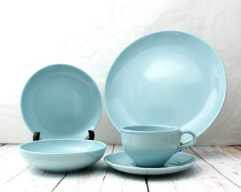 Russel Wright 5 Piece Place Setting, Russel Wright Iroquois Casual China Place Setting, Ice Blue Place Setting, Russel Wright Ice Blue Set