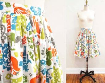 Vintage 1950s Skirt   Colorful Folk Novelty Print 1950s Full Skirt   size xs - small
