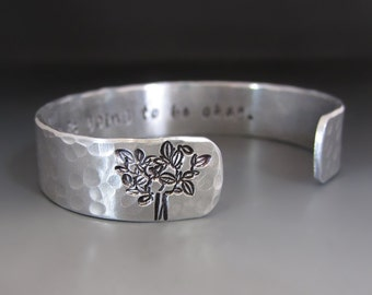 Personalized Silver Tree of Life Bracelet / Hand Stamped Family Tree  Gifts for Her / Strength Jewelry / Mother's Day / Personalized Jewelry