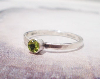 Simple Silver Ring in Peridot and Sterling Silver