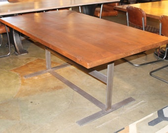 Concord Dining Table (Floor Model)