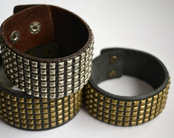Leather bracelet with studs - Genuine leather - adjustable
