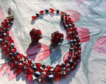Stunning Ruby Red and Iridescent Black Glass Beads W GERMANY Triple Strand NECKLACE Set