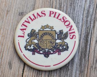 "Vintage Latvian patriotic plastic badge.""Latvian citizen"""