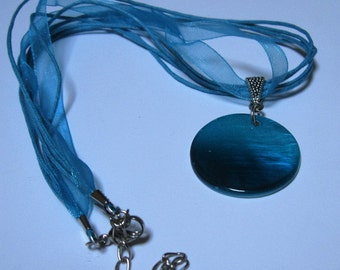 Totally Turquoise Mother of Pearl Pendant Necklace
