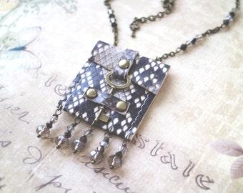 Snake Bag necklace, Steampunk bag, Vintage skeleton key pouch, medicine bag. boho style. Genuine leather, key closure. Caramel bag