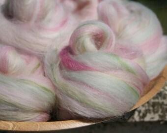 Sunkissed Hydrangea Handpulled Roving Nests - 100g