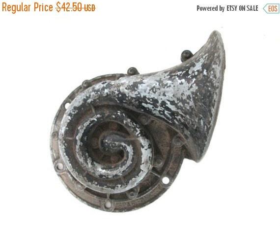 Antique Auto Horn : Antique car horn sparton metal vintage automobile parts