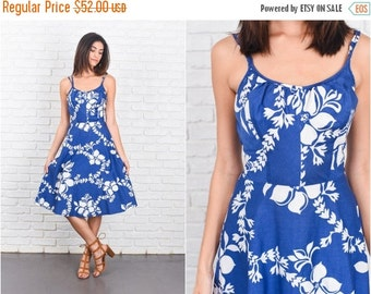 ON SALE Vintage 70s Blue + White Tropical Floral Print Dress Boho A Line Cotton Xs 7213 vintage dress 70s dress blue dress white dress xs dr