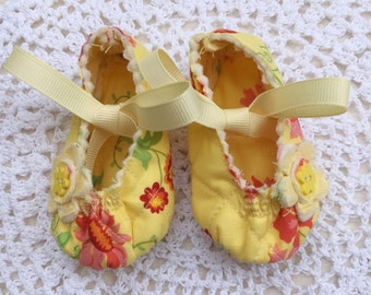 Baby Girl Mary Jane's in Yellow Floral