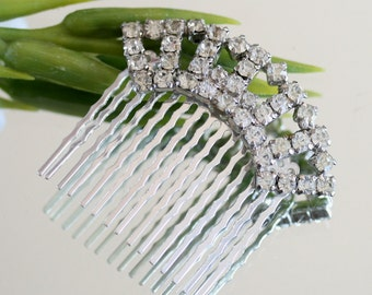Wedding Hair Comb, made with Vintage Jewelry, Bridal Tiara, Jeweled Hair Comb, Crown Hair Comb, Hair Comb Vintage, Tiara in Handmade,