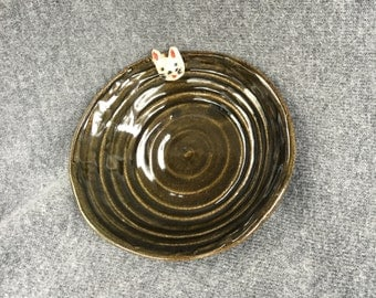 Ring Jewlery dish handemade with cat on Etsy by IndianHeadClay