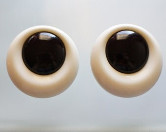 Large Chunky Black and White Earrings - 80's Earrings - Eyeball Earrings - Black and White Jewelry - Post Back - Round Earrings