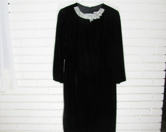 80's black velvet with beaded collar sheath dress size M