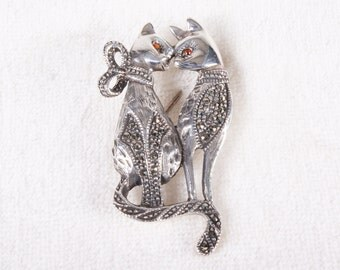 Vintage Cats in Love Sterling Silver Rhinestone Marcasite Pin