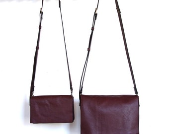 Messenger Bag - Two sizes - Italian Leather - Wine