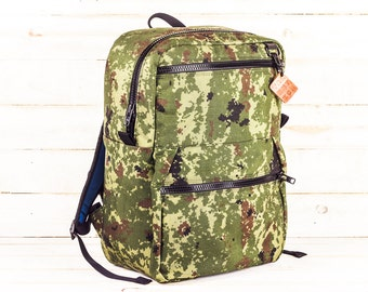 Camo Zipper Pack