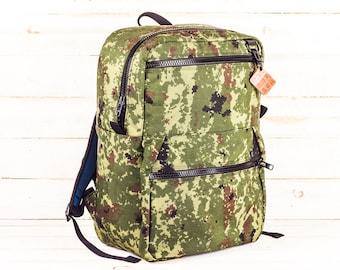 Camo Zipper Pack