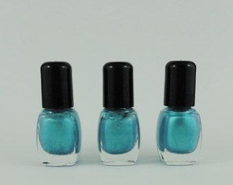 Nail Polish Crush Blue  Vegan nails 3 free indie nail polish