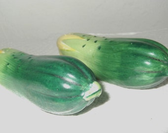 Vintage Salt & Pepper Shakers Ceramic Cucumber Salt and Pepper Shaker Set