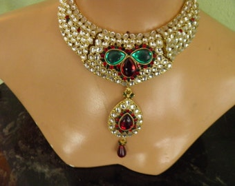 Necklace for a Queen, Old Hollywood Glamour.  Do you love Jewels?  Doesn't everyone?