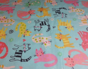 Cotton Flannel Fabric, Cat fabric, kitten fabric, kitty fabric, flannel fabric, baby fabric, baby flannel, By the Yard - Patterned