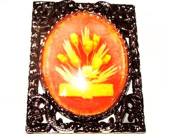 "Flower Glass Brooch Pendant Dried Orange & Yellow Spring Bouquet Silver Ornate Frame 2 1/4"" Vintage"