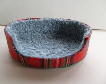 1:12th Dolls House Tartan Dog Bed Red or Blue