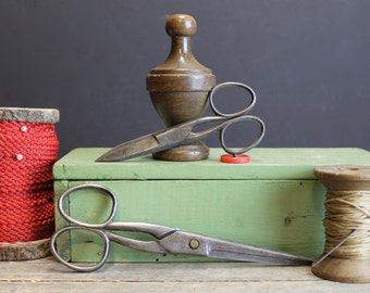 Vintage Scissors // Silver with Aged Patina // Set of 2 // Sutton and B O N