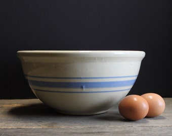"""Vintage Farm House Blue Banded Mixing Bowl // 10"""""""
