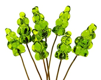 VINTAGE: 8 Green Cluster Glass Headpins - Embedded Brass Wire Glass Drops - (3-D2-00005289)