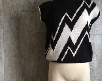 Retro 1980s Black and White Sweater Vest, Size Small !