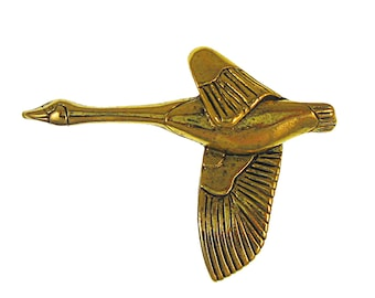 Gold Canadian Goose Lapel Pin