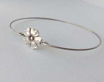 Silver flower bracelet - Silver flower bangle - Antique silver bracelet - Hippie Boho gypsy bracelet - Bridesmaids gift - Minimalist jewelry