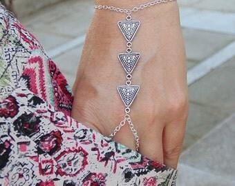 Silver triangle slave bracelet Hand chain Hand piece slave bracelet Geometric bracelet Bracelet ring Ring bracelet Bohemian Boho Hippie