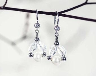 622_Delicate pearl earrings, Crystal dangle earrings, Bridal accessories, Silver pearl earrings, Pearls and crystals, Dangle earrings, Bride