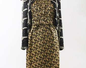 1960s Metallic Gold & Black Brocade. Shift Dress., Fall Fashion. // Sparkly Cocktail Dress., Party Dress.
