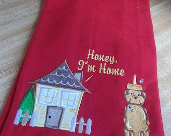 Honey, I'm Home - Humorous Decorative Kitchen food themed Towel Quirky Funny Sarcastic Subversive Great gift for mother's day or birthday