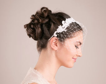 Bridal ivory birdcage veil with lace, wedding veil, birdcage headband