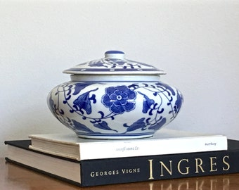 Vintage Chinese Potiche Jar Lidded Bowl Vessel Dish Blue White Ceramic Chinoiserie Chic Decor