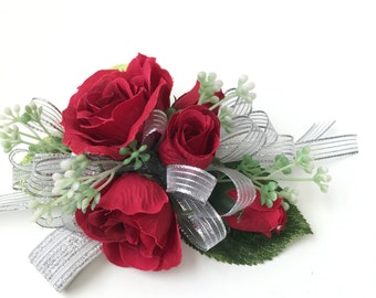 WRIST CORSAGE_BOUTONNIERE_RED_SILVER