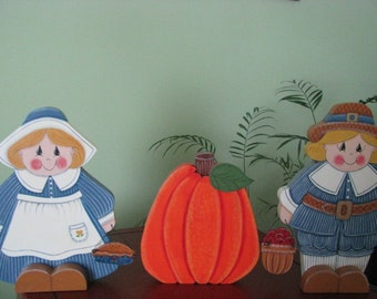 Pilgrims, Thanksgiving, Pumpkin, Centerpiece, shelf sitter, handpainted. wood