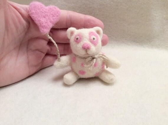 Needle felted bear -Needle felted miniature-wool bear -Felted Animals-felt toy- White felt bear toy-Felted miniature bear-Toys for Blythe