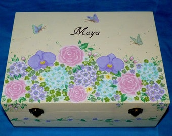Custom Wedding Guest Box Personalized Wedding Keepsake Box Hand Painted Large Wood Memory Trunk Wedding Reception Card Box Anniversary Gift