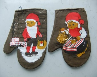 Vintage Swedish Pair of 1970s Barbecue mitts for Christmas